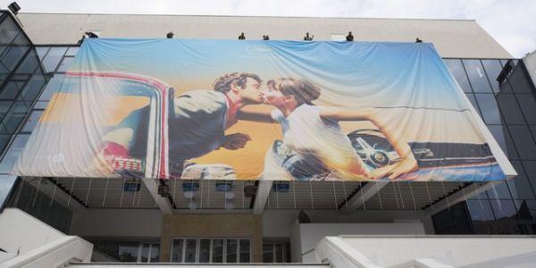Le baiser entre Jean-Paul Belmondo et Anna Karina devient l'affiche du Festival de Cannes 2018