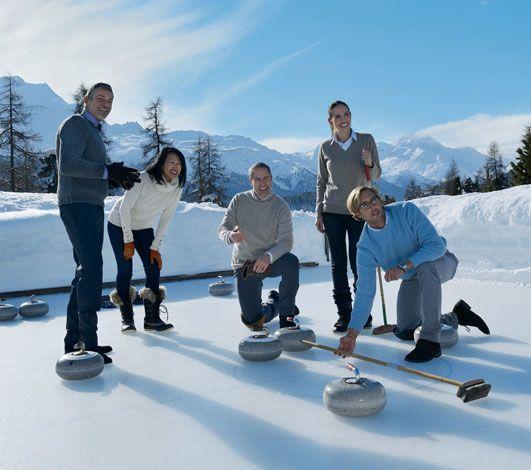 Le curling, plus qu'une pétanque sur glace!