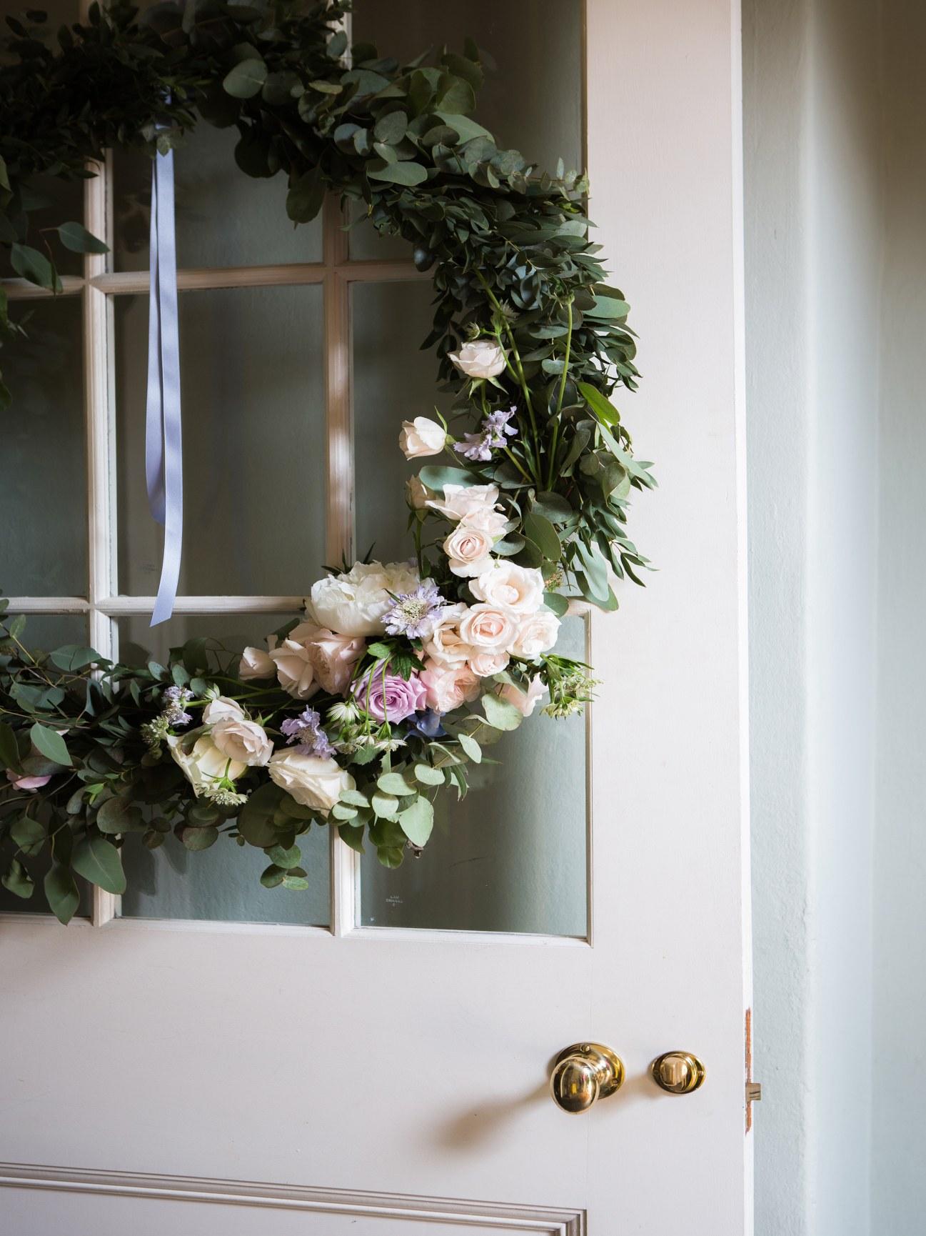 A wreath on a door.