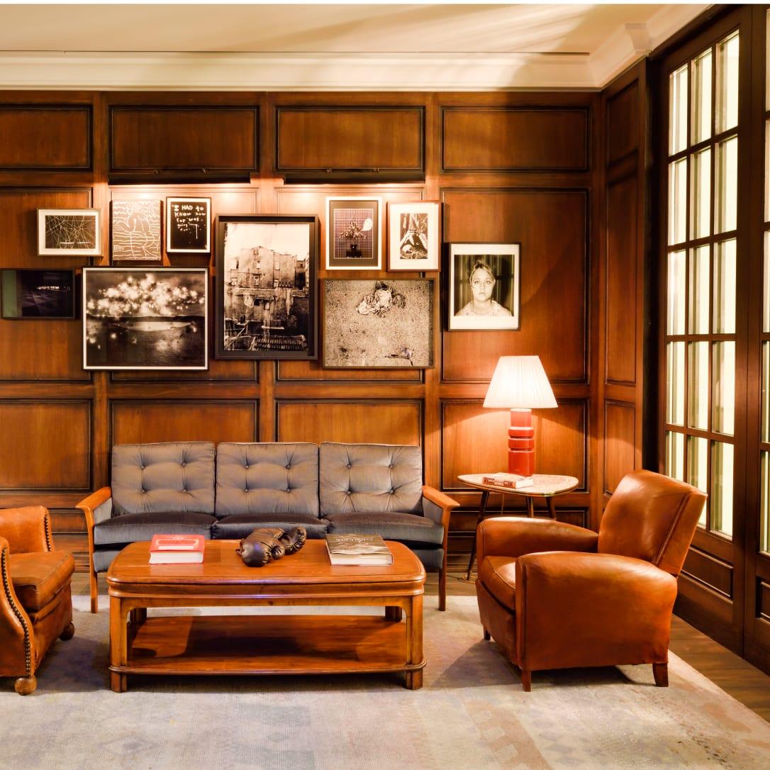 A lounge like area of a gym