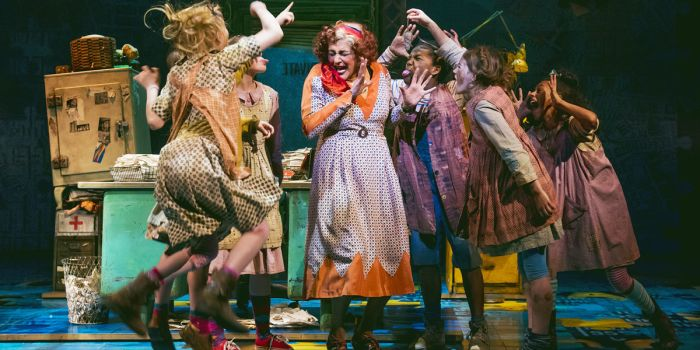 Annie at the Piccadilly Theatre