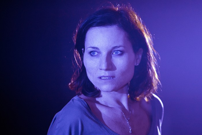 Kate Fleetwood in Bug (Photo: Simon Annand)