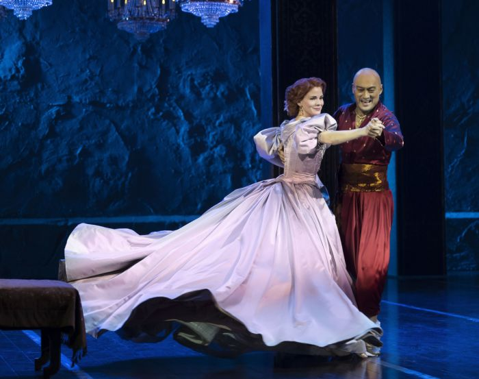 Kelli O'Hara and Ken Watanabe in The King And I (Photo: Paul Kolnik)