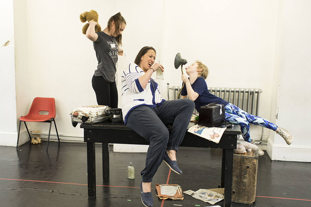 Miranda Hart and the kids cast in rehearsal for Annie
