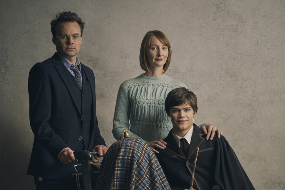 Harry Potter (Jamie Glover), Ginny Potter (Emma Lowndes), Albus Potter (Theo Ancient), photo Charlie Gray