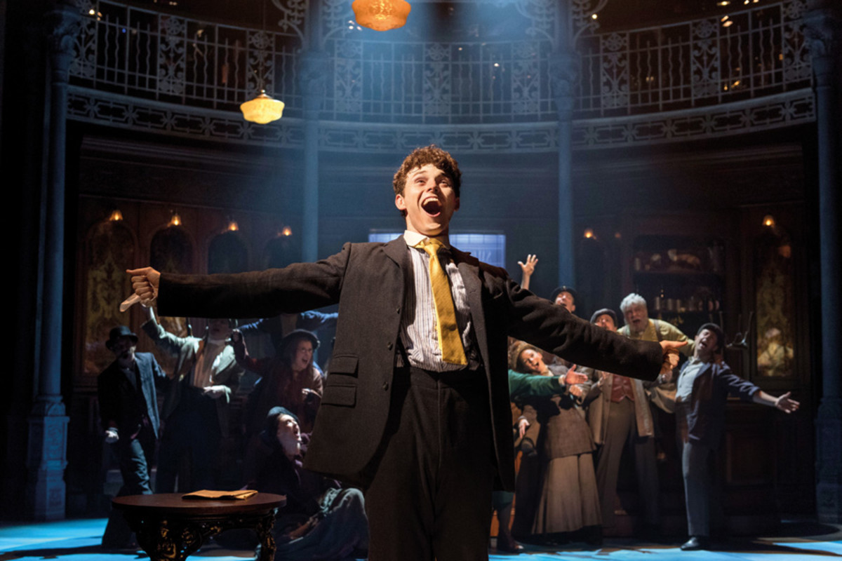 Charlie Stemp in Half A Sixpence (Photo: Manuel Harlan)