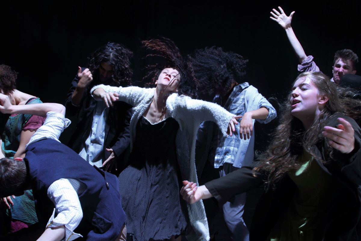 In – Nocentes – National Youth Dance Company | Michael Keegan-Dolan (Photo: Peter Teigen)