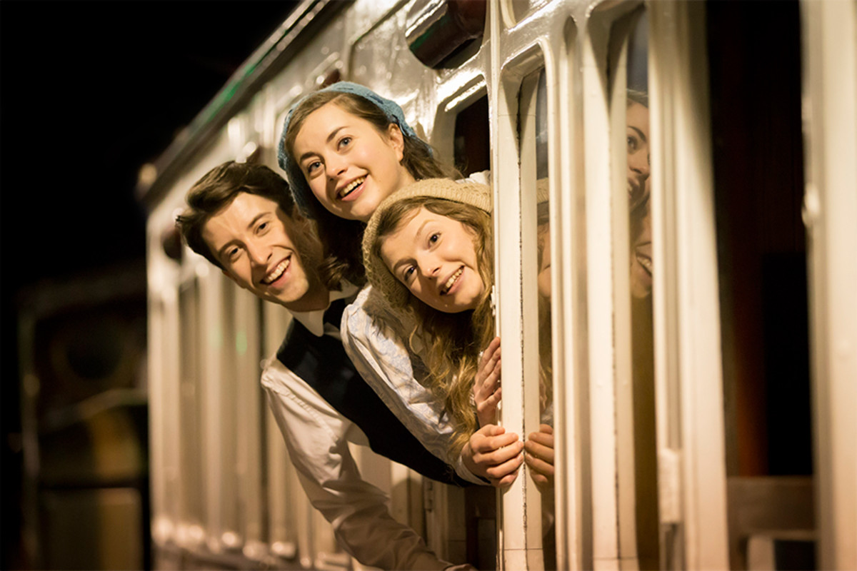 Matt Jessup, Sophie Ablett and Beth Lilly in The Railway Children (Photo: Johan Persson)