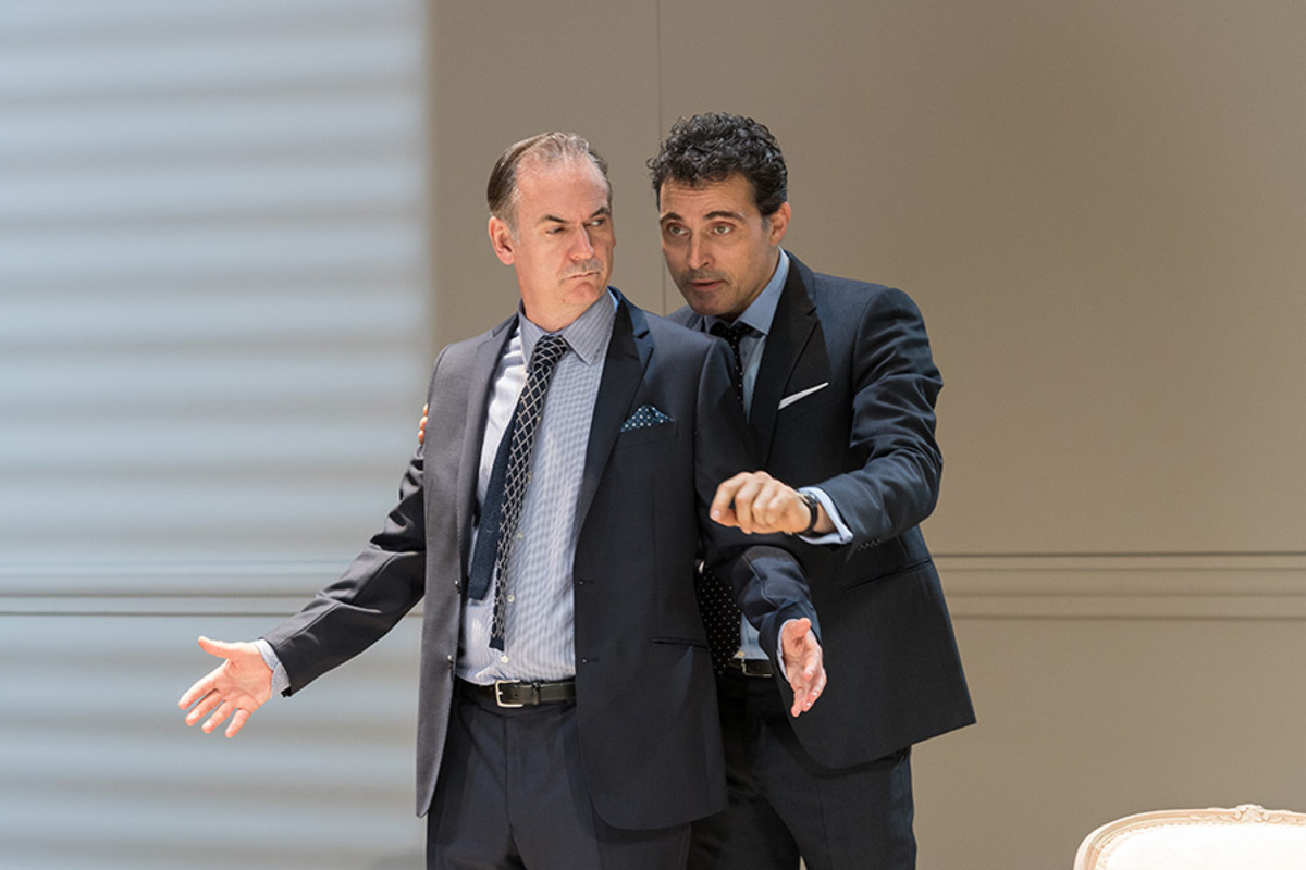 Paul Ritter (Marc) and Rufus Sewell (Serge) in 'Art' at The Old Vic (Photo: Manuel Harlan)