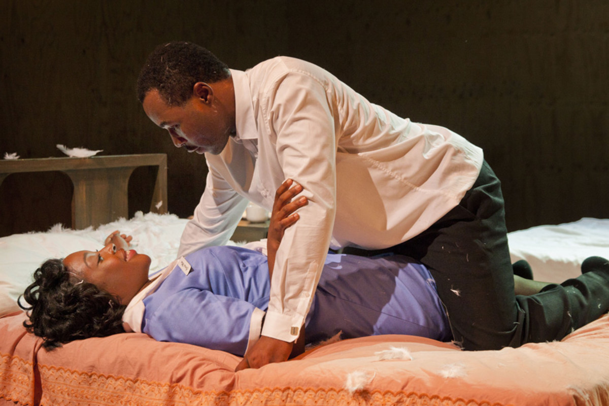 Gbolahan Obisesan and Ronke Adékoluejo in The Mountaintop (Photo: David Sandison)