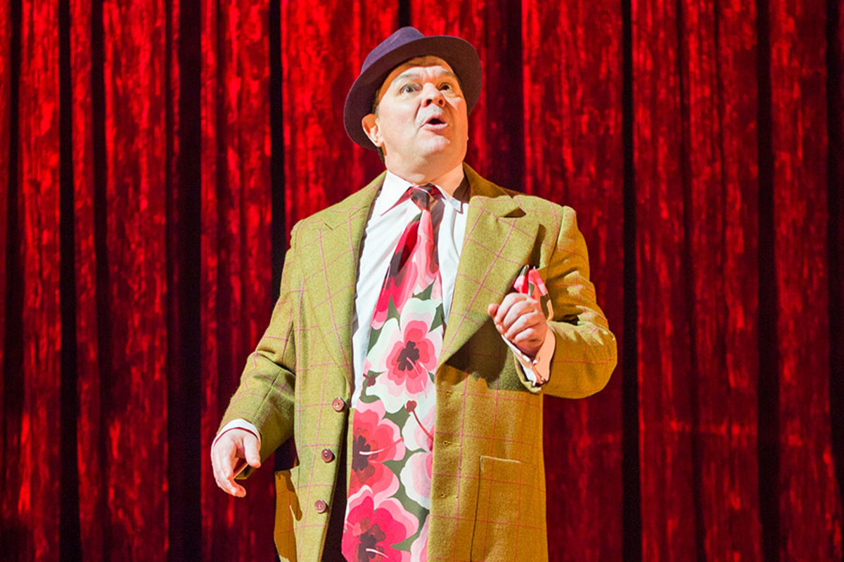 Jamie Foreman stars in Mrs Henderson Presents, the new musical at the Noel Coward Theatre (Photo: Paul Coltas)