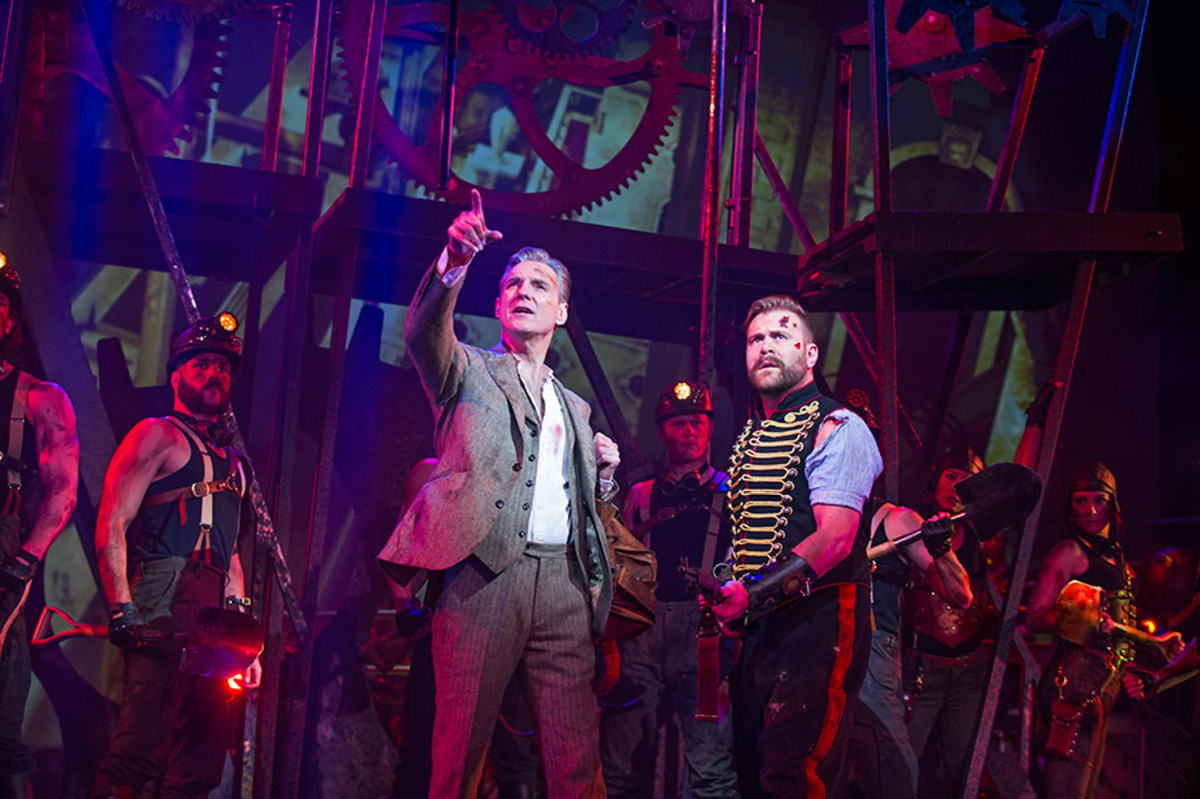 Michael Praed and Daniel Bedingfield in The War Of The Worlds at the Dominion Theatre (Photo: Tristram Kenton)