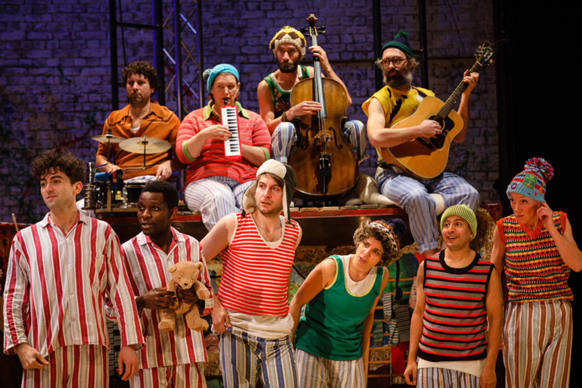 The cast of Peter Pan (Photo Steve Tanner)