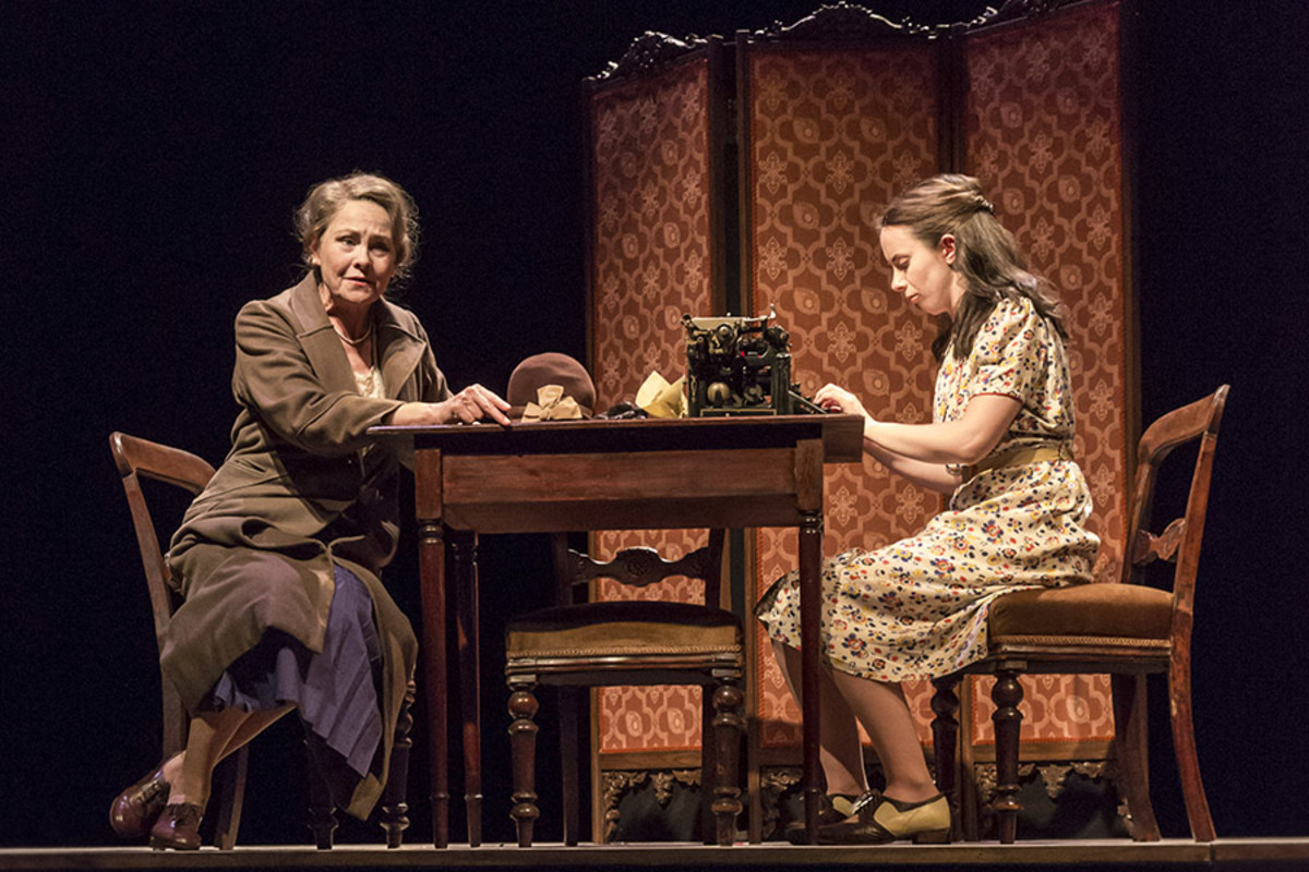 Cherry Jones and Kate O'Flynn in The Glass Menagerie at the Edinburgh International Festival (Photo: Johan Persson)
