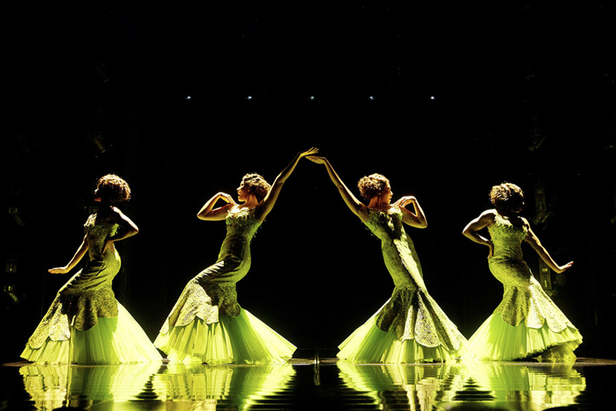 The cast of Dreamgirls at the Savoy Theatre (Photo: Brinkhoff/Mögenburg)