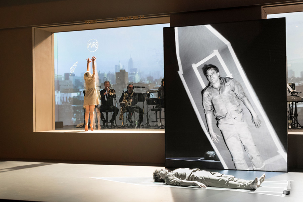 Sophia Anne Caruso (Girl), Michael C Hall (Newton) in Lazarus (Photo: Jan Versweyveld)