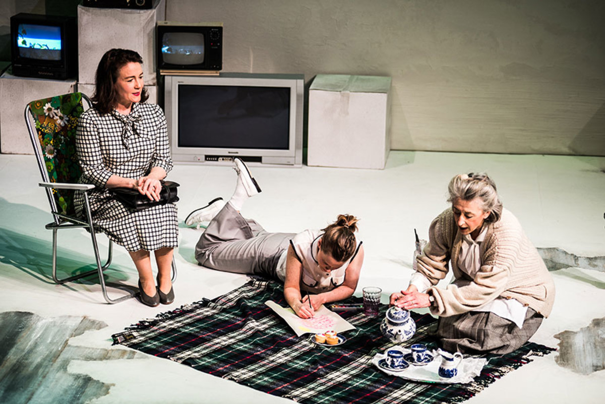 Caroline Faber, Katie Brayben and Maureen Lipman in My Mother Said I Never Should (Photo: Savannah Photographic)