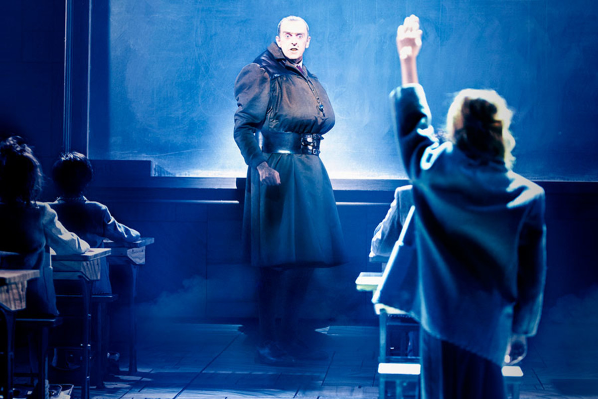 Craige Els in Matilda The Musical