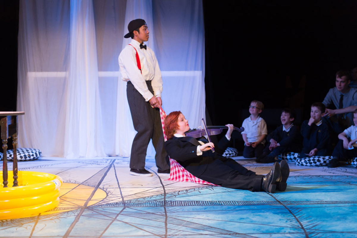 Mikey Ureta and Elisabeth Flett in Get Happy, Told by an Idiot (photo credit Manuel Harlan)