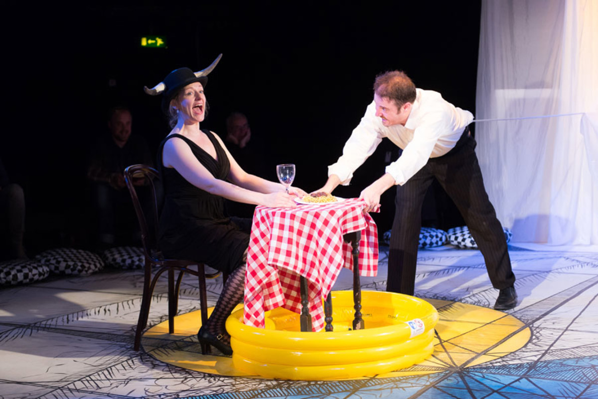 Sophie Russell and Stephen Harper in Get Happy, Told by an Idiot (photo credit: Manuel Harlan)