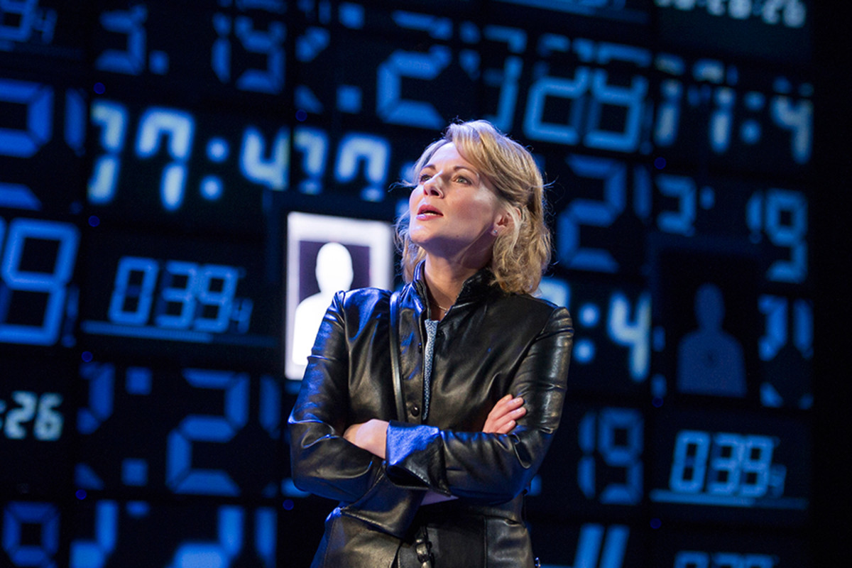 Lisa Dillon stars in Hapgood at Hampstead Theatre (Photo: Alastair Muir)