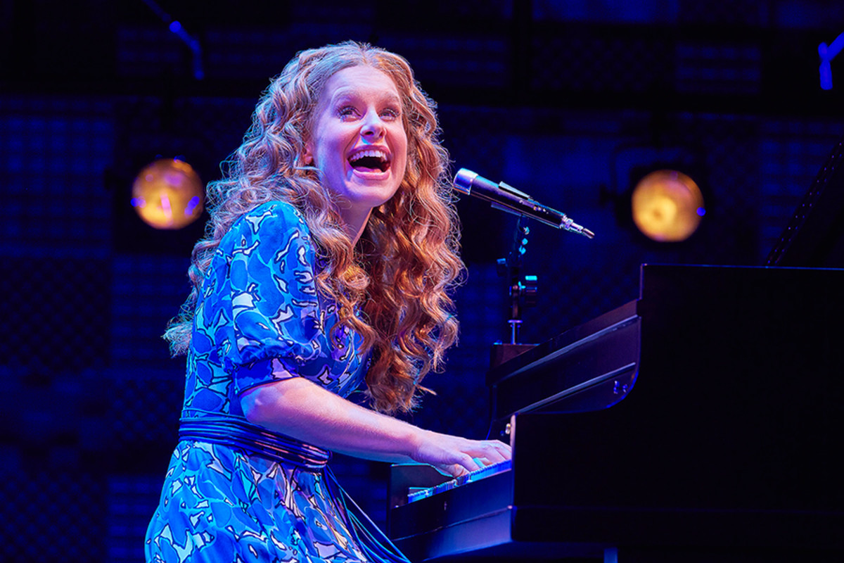 Cassidy Janson stars in Beautiful - The Carole King Musical, playing at the Aldwych Theatre (Photo: Brinkhoff-Moegenburg)
