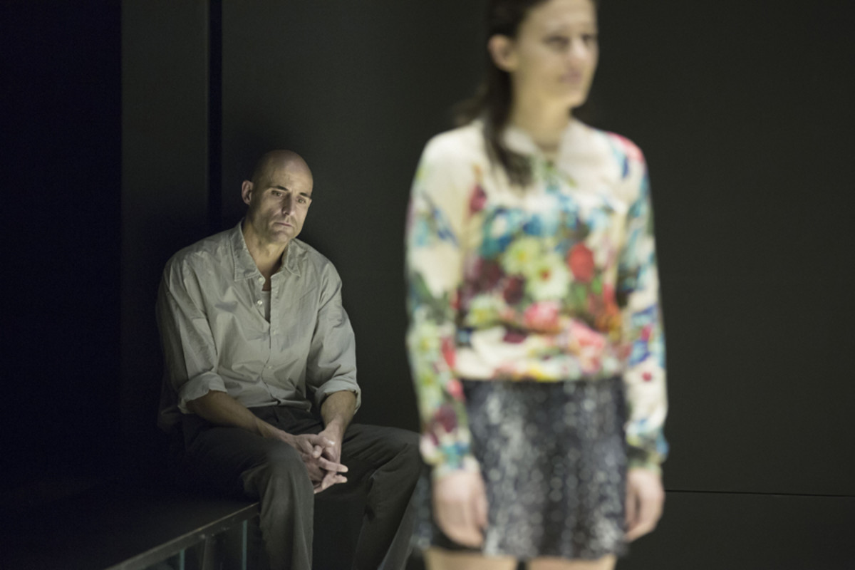 Mark Strong and Phoebe Fox in A View From The Bridge (Photo: Jan Versweyveld)