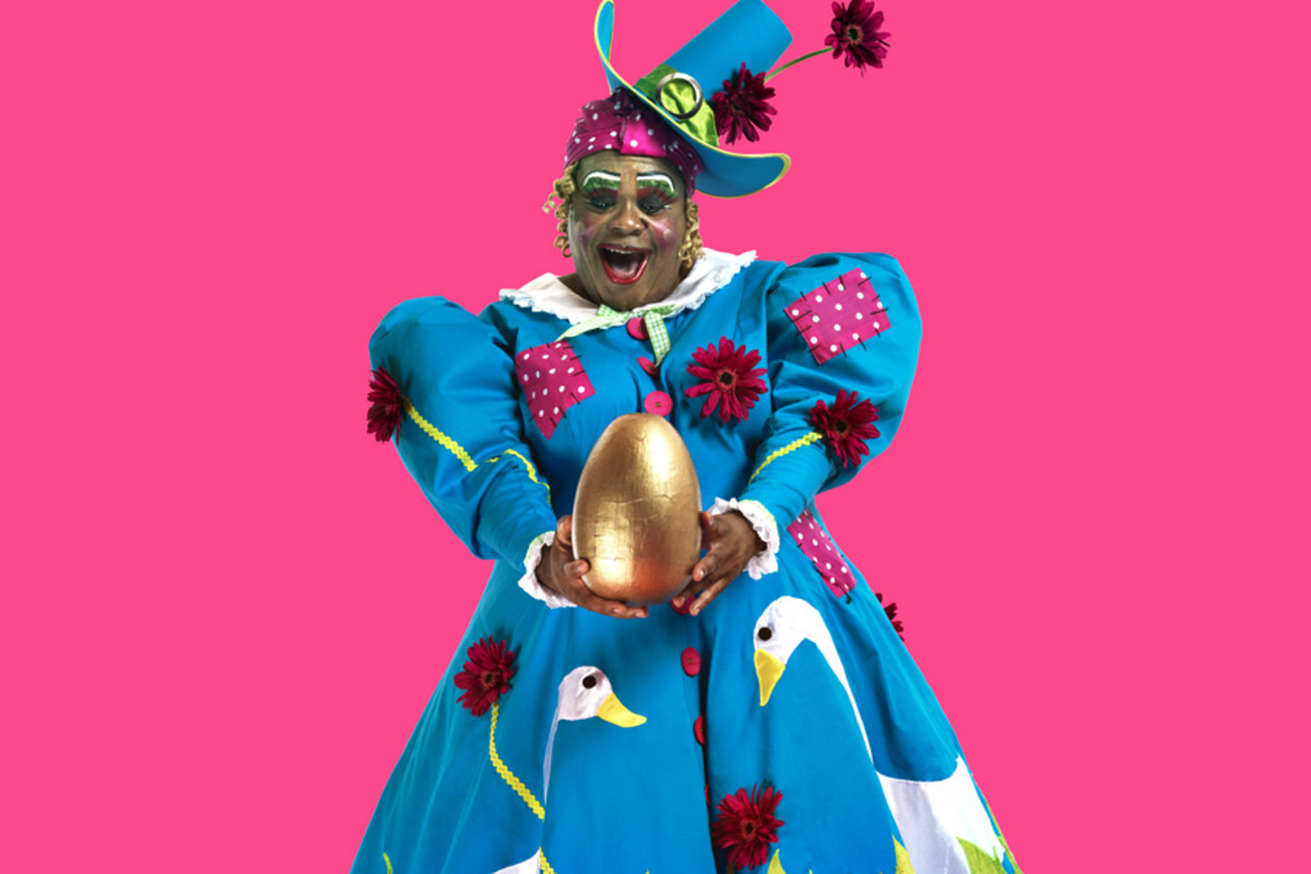 Clive Rowe in Hackney Empire's Mother Goose (Photo: Perou)
