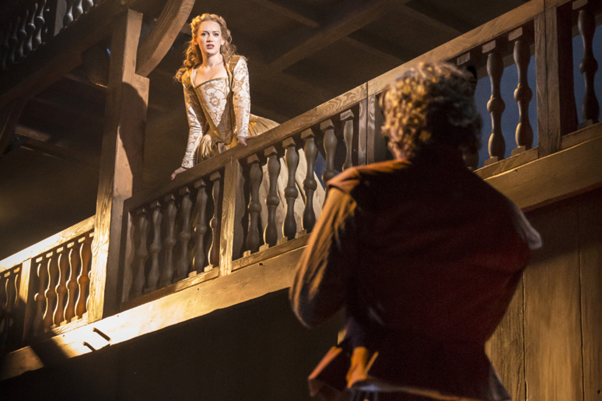 Lucy Briggs-Owen and Tom Bateman in Shakespeare In Love (Photo: Johan Persson)