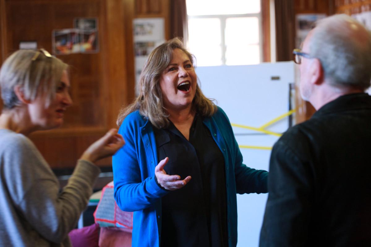 Director Polly Teale, Kathleen Turner and Ian McDiarmid rehearse Bakersfield Mist (Photo: Simon Annand)