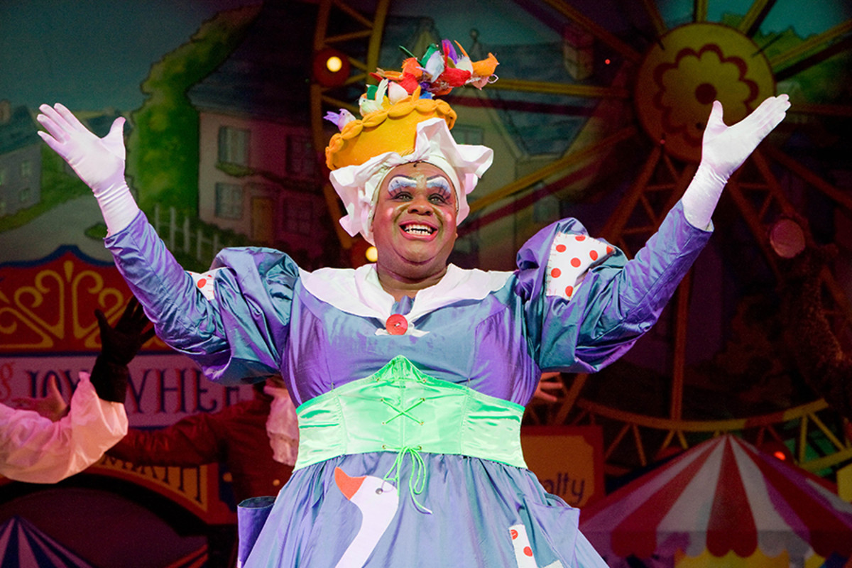 Clive Rowe stars in Mother Goose at Hackney Empire (Photo: Robert Workman)