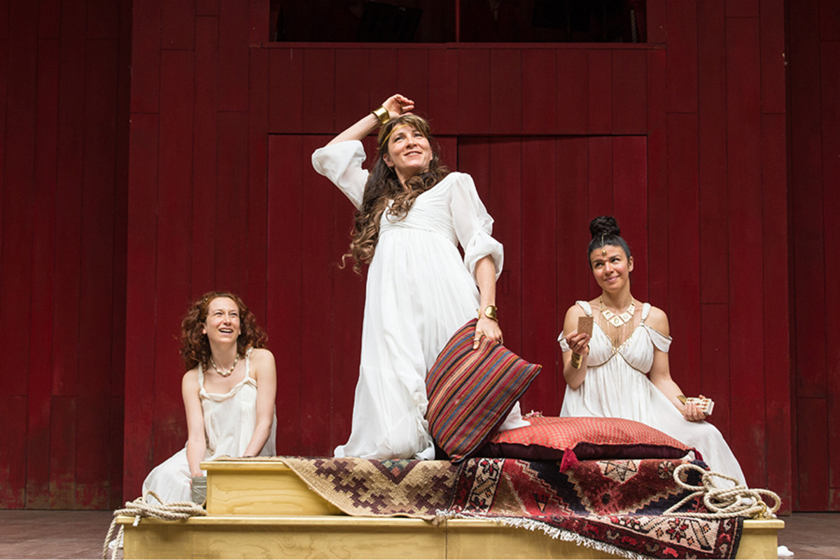 Rosie Hilal, Eve Best and Sirine Saba in Antony And Cleopatra at Shakespeare's Globe (Photo: Manuel Harlan)