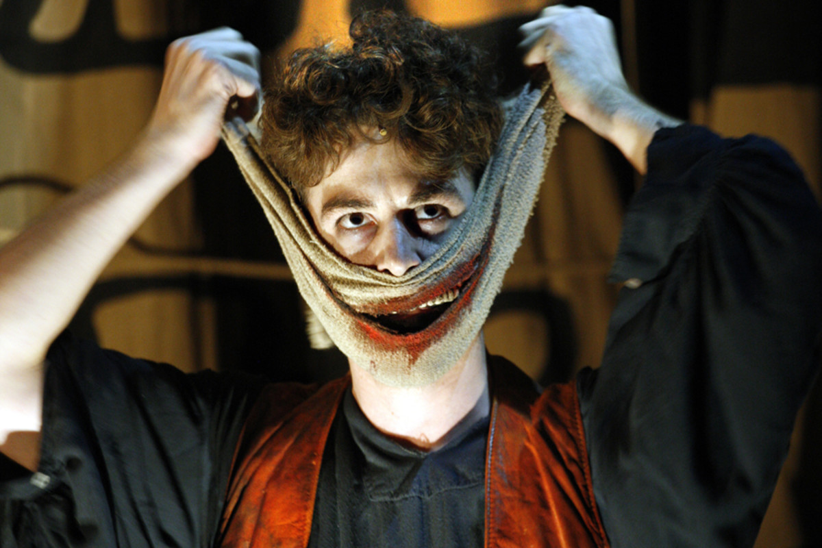 Louis Maskell as Grinpayne in The Grinning Man (Photo: Simon Annand)
