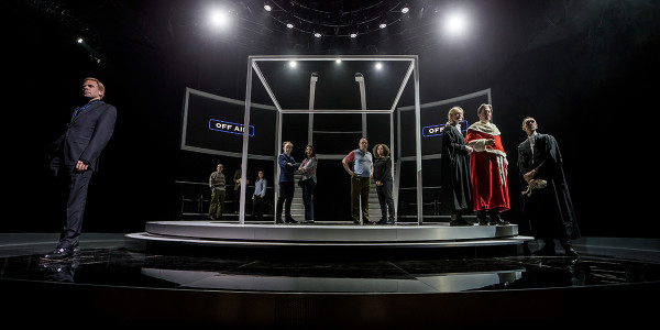 The company of Quiz (Photo: Johan Persson)