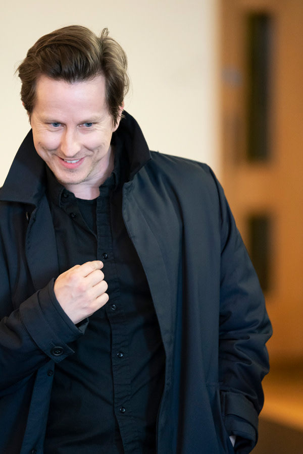 Lee Ingleby in Consent rehearsals (Photo: Johan Persson)