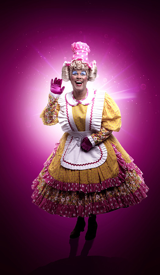 Gary Wilmot as Mrs Crumble in Snow White (Photo: Paul Coltas)