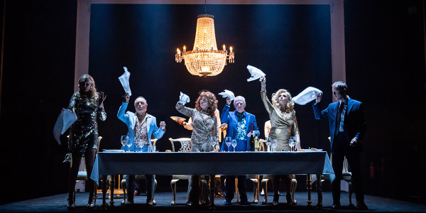 The company of Pinter Six (Photo: Marc Brenner)