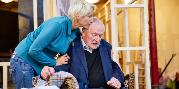 Julian Glover and Lia Williams in rehearsal for The Night Of The Iguana (Photo: Brinkhoff/Moegenburg)