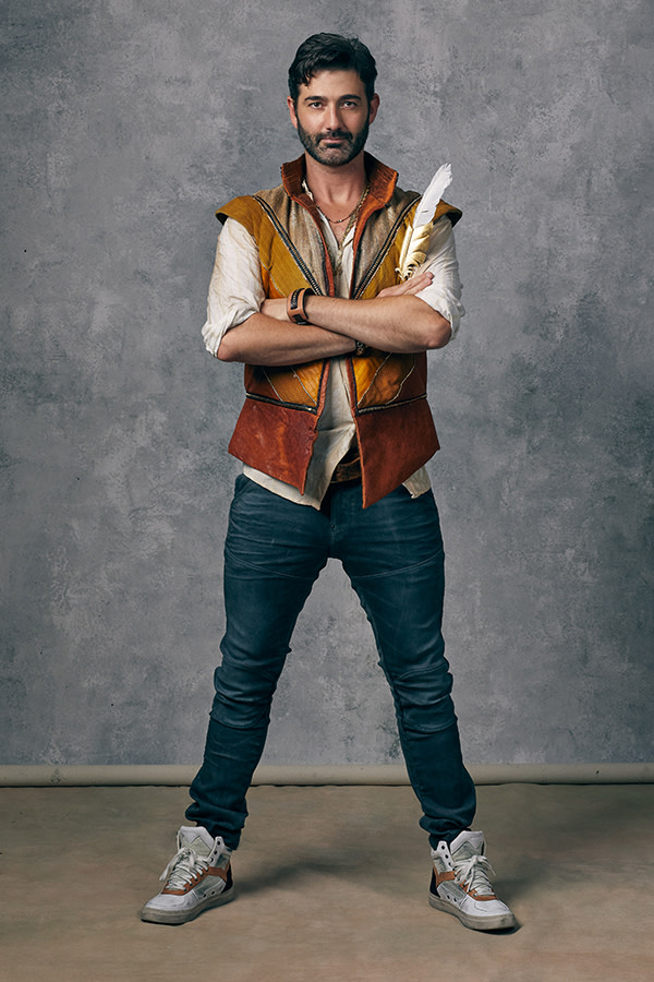 & Juliet, Oliver Thomsett as Shakesepeare