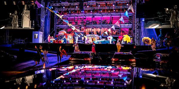 ENO-Drive-Live-La-boheme-at-Alexandra-Palace-ensemble-_-Lloyd-Winters_2x1_qvscpt