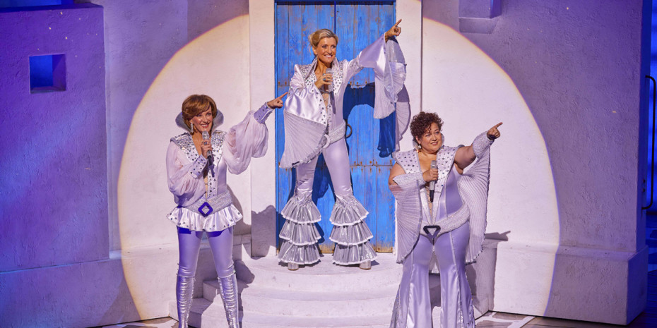 Mamma Mia! at the Novello Theatre (Photo: Brinkhoff & Mögenburg)