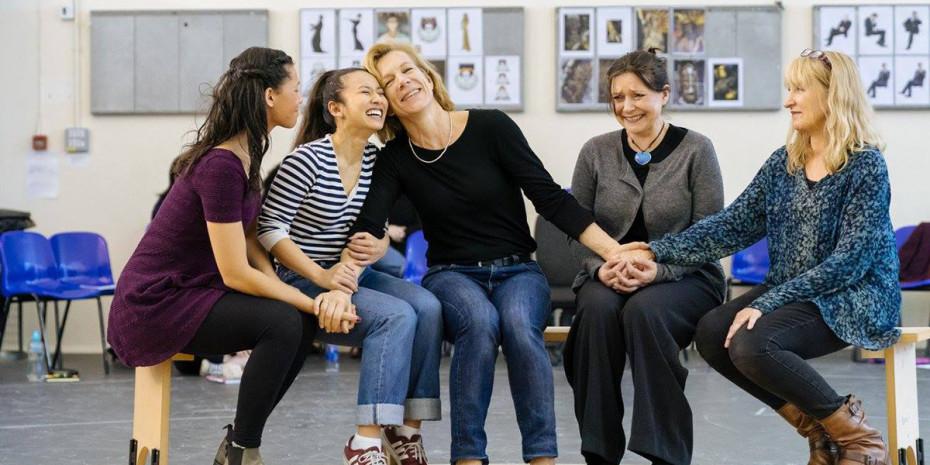 Nazerene Williams, Lisa Chiu, Juliet Stevenson, Jane Macfarlane and Denise Stephenson in rehearsal for Mary Stuart (Photo: Manuel Harlan)