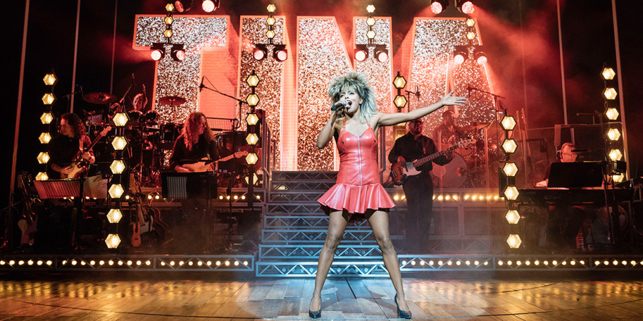 Adrienne Warren in Tina - The Tina Turner Musical (Photo: Manuel Harlan)