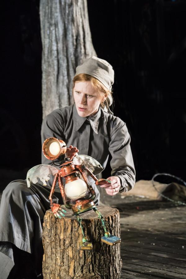 Elisa de Grey puppeteering Tinker Bell - Photo Johan Persson
