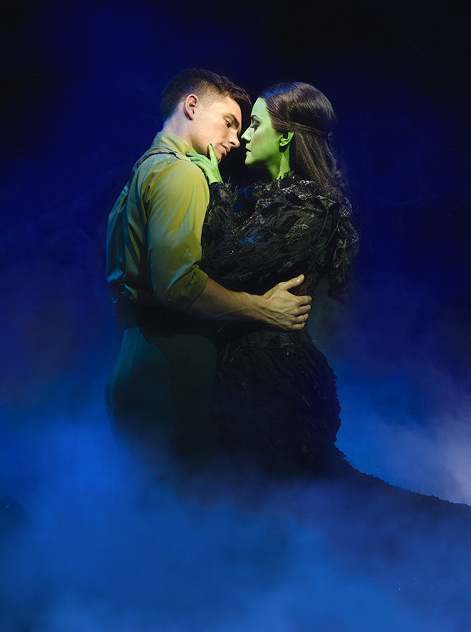 David Witts (Fiyero) and Alice Fearn (Elphaba) in Wicked (Photo: Darren Bell)