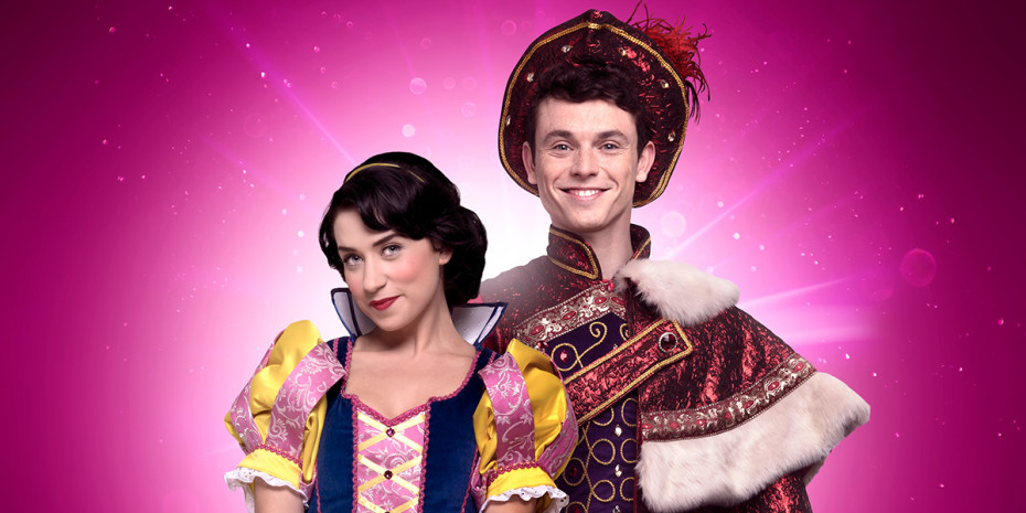 Danielle Hope (Snow White) and Charlie Stemp (Prince Charming) in Snow White (Photo: Paul Coltas)
