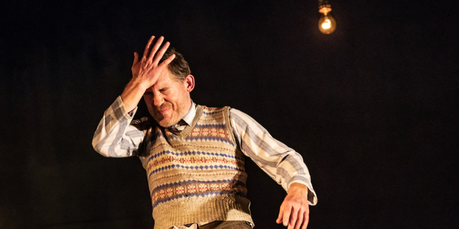 Lee Evans in Pinter Three. Photo credit Marc Brenner