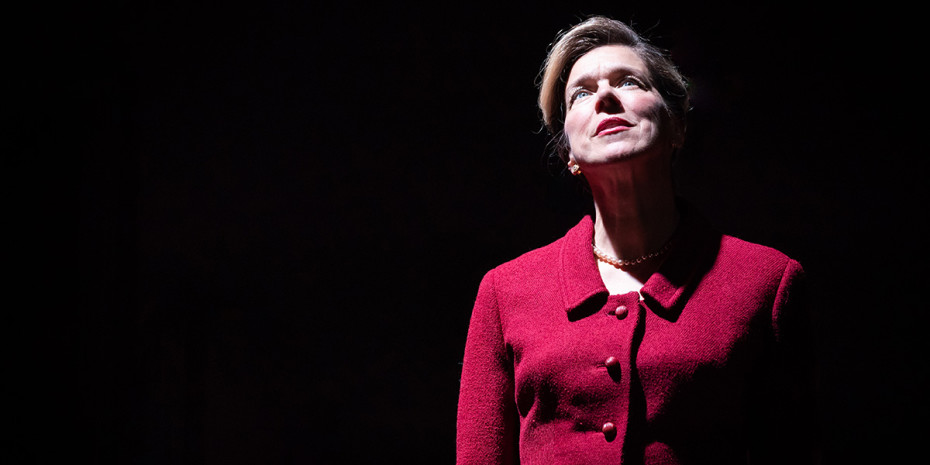 Janie Dee in Pinter Four. Photo credit: Marc Brenner