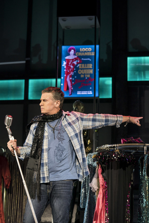 Shane Richie (Hugo) in Everybody's Talking About Jamie at the Apollo Theatre (2). Photo credit Johan Perrson.