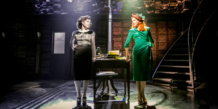 Rebecca Trehearn and Rosalie Craig in the original Donmar Warehouse Production of City of Angels. Photo by Johan Persson.
